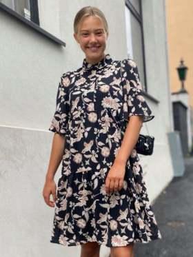 Second Female Neo SS Midi Kjole Sort