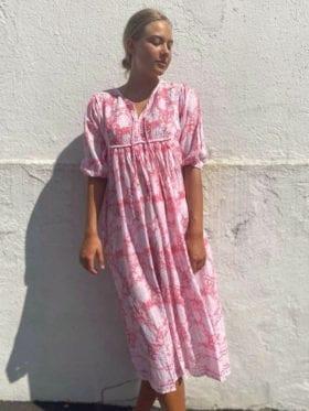 Anouska Love Shack Smekkekjole San Juan Lang Rosa